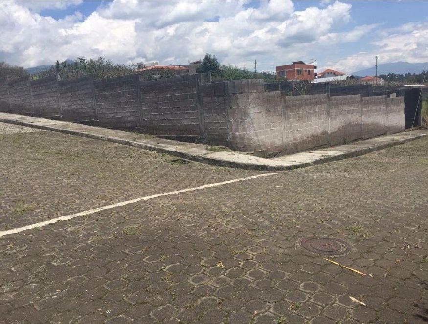 Amaguaña 800m2 3