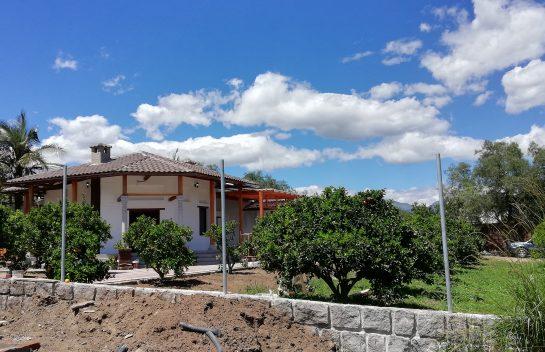 Terreno de venta, Tumbaco 1.320 m2 sector Collaquí, Urbanización La Lombardia.