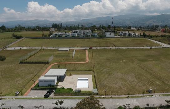 Terreno de Venta Puembo 1.184 m2, Urbanización La Pradera