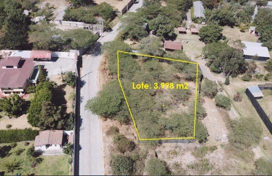 Terreno en venta, Nayón, 3.998 m2 junto a la Estancia de Gaucho, para proyecto inmobiliario.
