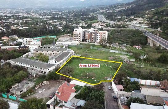 Terreno de Venta en Cumbayá 3.580 m2 la Primavera, Barrio Rojas