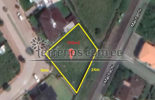 Terreno en Venta Sangolquí 703.03 m2 urbanización Navarra 1 a 3′ de San Luis Shopping