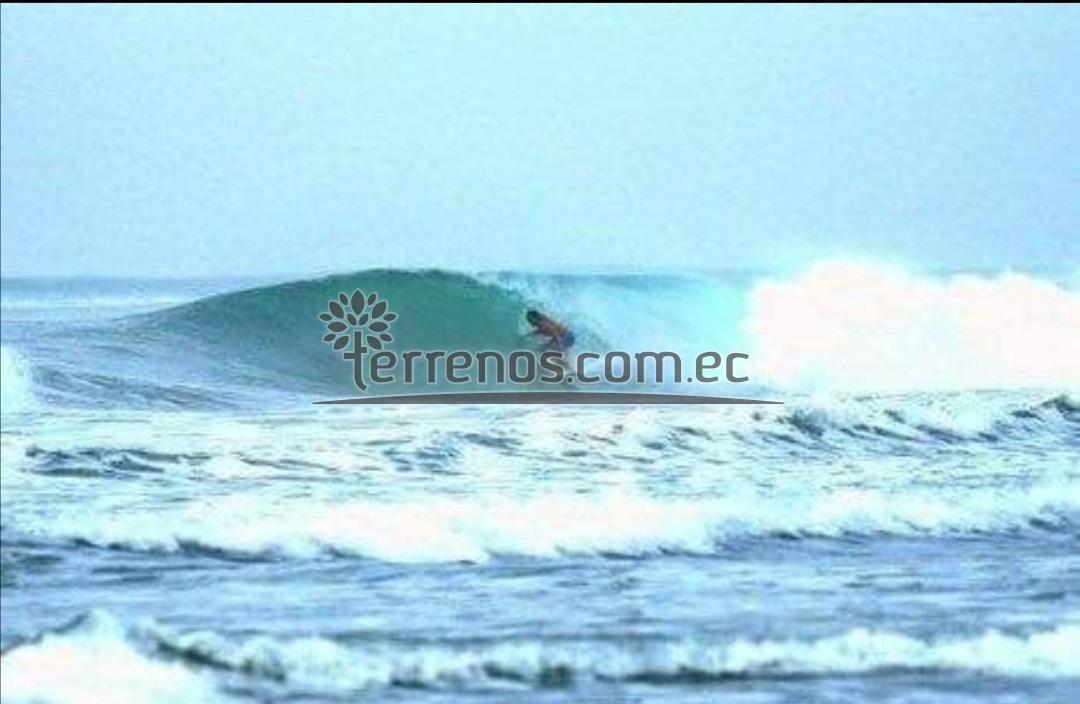 Ayampe playa ideal para surf y deportes acuarticos