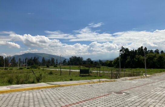 Lotes de Venta en Conocoto 300 m2 Urbanización San Nicolás, Cerca Colegio La Salle