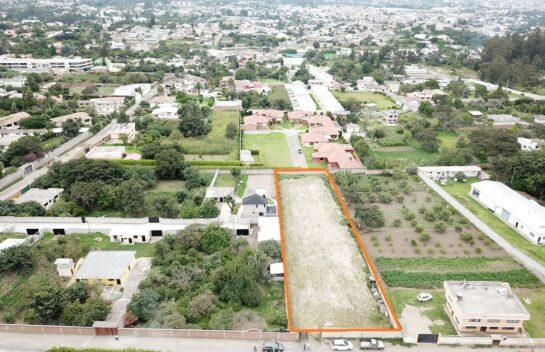 Terreno de venta en Santa Rosa de Tumbaco 2.000m2, cerca a la Interoceánica, Ideal para Proyecto inmobiliario