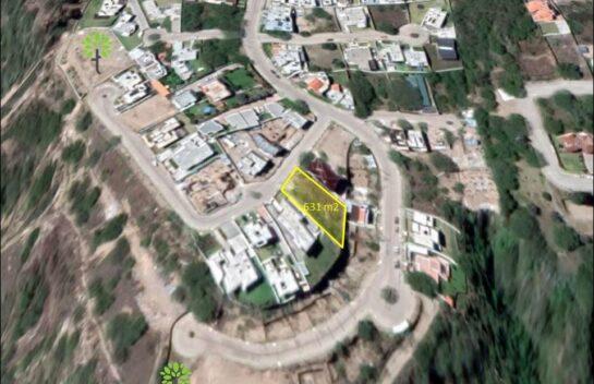 Venta de terreno, 631 m2 Urb. Alta vista de Nayón.
