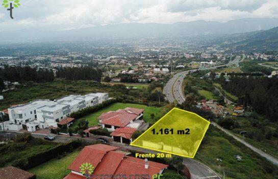 Venta de terreno Cumbayá 1.161 m2, sector Yanazarapata.