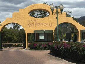 Terreno de venta en Cumbayá 1.002 m2 urbanización Rancho San Francisco, Miravalle  Copia