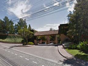 Terreno de venta en Cumbayá 1556 m2 Urbanización LA VIEJA HACIENDA, reservorio de Cumbayá