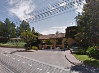 Terreno de venta en Cumbayá 1451 m2 Urbanización LA VIEJA HACIENDA, reservorio de Cumbayá  Copia